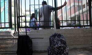 Ρέθυμνο: Μαθήτρια «σφήνωσε» σε κάγκελα σχολείου!