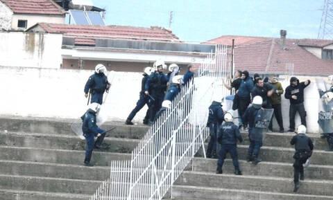 Χαμός στο Τρίκαλα-Αιγάλεω: Επίθεση οπαδού σε παίκτη, άγριες συμπλοκές με ΜΑΤ! (photos+video)