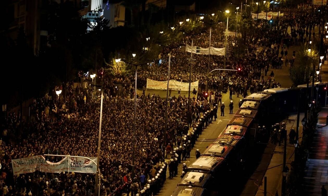 Πολυτεχνείο 2019: Παλμός και συγκίνηση στα μεγαλειώδη συλλαλητήρια για την 46η επέτειο εξέγερσης
