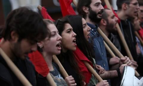 Μυτιλήνη: Με τρεις διαφορετικές πορείες τιμήθηκε η 46η επέτειος της εξέγερσης του Πολυτεχνείου