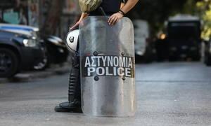 Σε εξέλιξη επιχείρηση της αστυνομίας σε κτήριο στα Εξάρχεια