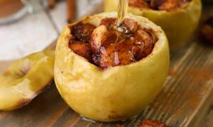 Η γλυκιά συνταγή της ημέρας: Ψητά γεμιστά μήλα