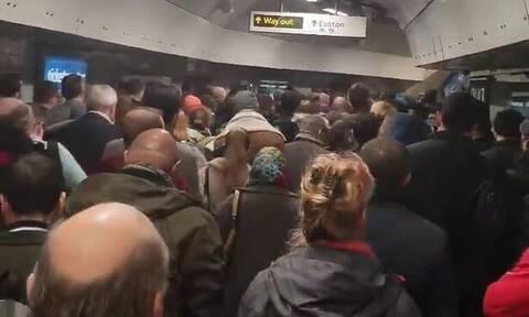 Συναγερμός στο Λονδίνο: Εκκενώθηκε σταθμός του Μετρό