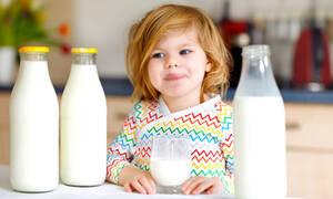 Έληξε το γάλα; 10 χρήσεις για να αξιοποιήσετε και την τελευταία σταγόνα (vid)