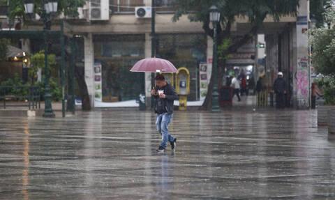 Καιρός: Βροχές και καταιγίδες την Τρίτη (19/11) - Σε ποιες περιοχές θα είναι έντονα τα φαινόμενα