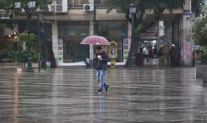 Καιρός: Βροχές και καταιγίδες την Τρίτη (19/11) - Πού θα είναι έντονα τα φαινόμενα