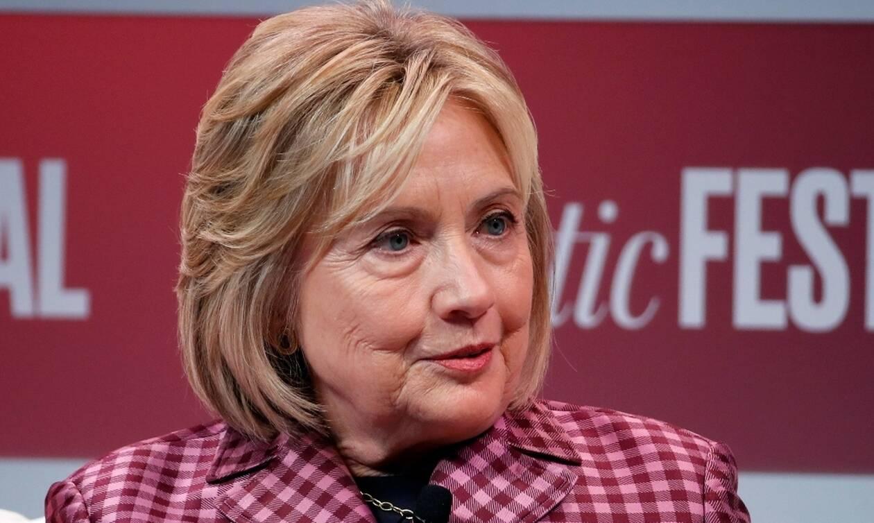 Πτήση θρίλερ για τη Χίλαρι Κλίντον