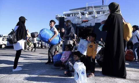 Στο λιμάνι του Πειραιά αναμένονται σήμερα 61 μετανάστες και πρόσφυγες από νησιά του Αιγαίου