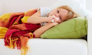 Γρίπη στα παιδιά: Όλα όσα πρέπει να γνωρίζετε και πότε να επισκεφθείτε παιδίατρο