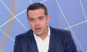 Τσίπρας στο OPEN: Σφοδρή επίθεση σε ΝΔ για διαπλοκή, «λευκά κολάρα» και προσφυγικό