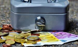 Μπαράζ πληρωμών: Δείτε πότε πληρώνονται συντάξεις Δεκεμβρίου, ΚΕΑ και επιδόματα