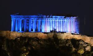 Η Ακρόπολη φωταγωγήθηκε μπλε στα χρώματα της Unicef