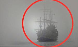 Πλοίο «φάντασμα» κόβει την ανάσα του κάμεραμαν (vid)