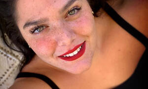 6 φορές που η Δανάη Μπάρκα ήταν η απόλυτη βασίλισσα του body positivity