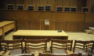 Πρωτοφανές: Ποινή φυλάκισης σε… πεθαμένη για αυθαίρετο
