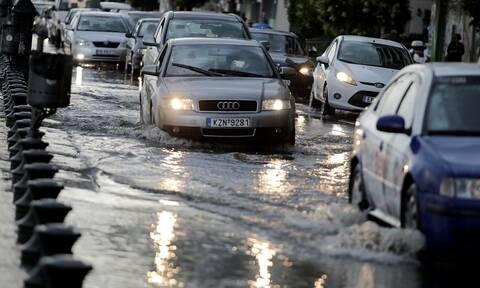 Καιρός - Θεσσαλονίκη: Δεκάδες κλήσεις στην Πυροσβεστική για άντληση υδάτων σε υπόγεια