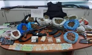 Κρήτη: Στη φυλακή τα δύο από τα τρία αδέρφια για το χασίς και τα καλάσνικοφ