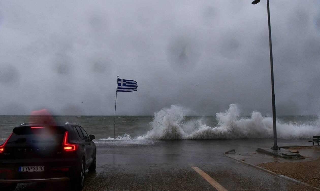 Καιρός - Έκτακτο δελτίο ΕΜΥ: Σφοδρές καταιγίδες «χτυπούν» τη χώρα - Προσοχή τις επόμενες ώρες