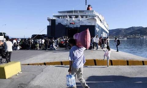 Ακόμη 58 μετανάστες στον Πειραιά με προορισμό δομές φιλοξενίας