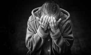 «Ταφόπλακα» στο ΕΚΑΣ - Βίαιη φτωχοποίηση των χαμηλοσυνταξιούχων