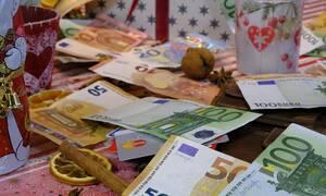 Δώρο Χριστουγέννων 2019: Πότε καταβάλλεται και ποιοι είναι οι δικαιούχοι - Υπολογίστε ΕΔΩ το ποσό