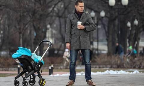 Исследование: почти половина мужчин в России готова выйти в декрет
