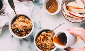 Αν φτιάξεις την βρώμη όπως η Natalie Portman δεν θα θες άλλο σνακ ή πρωινό (video)