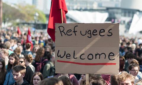 Компартия Греции осудила план властей сделать закрытыми центры для временного проживания беженцев