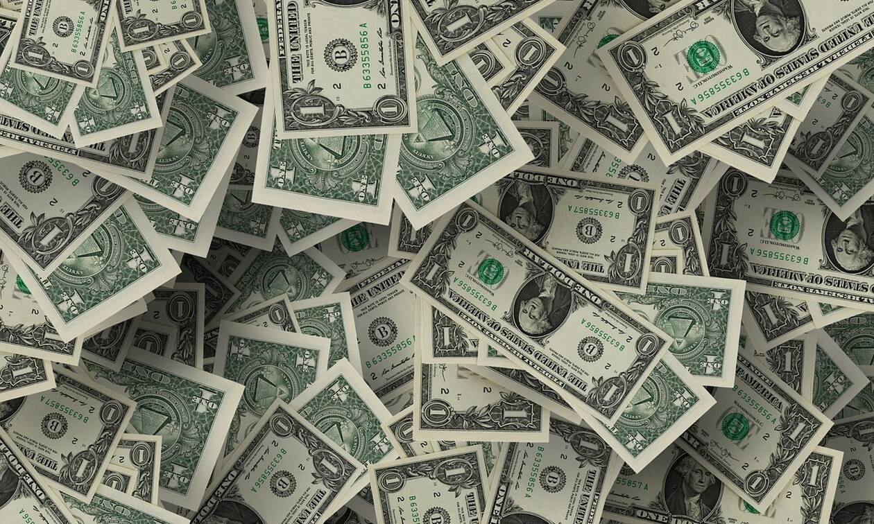 Απίστευτο: Κατάφερε να βγάλει ένα εκατομμύριο δολάρια μέσα από το... κελί του