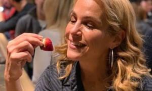 H έξοδος της Τζένης Μπότση από το μαιευτήριο (photos)