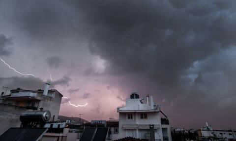 Έκτακτο δελτίο καιρού: Με βροχές και καταιγίδες η Παρασκευή - Νέο κύμα κακοκαιρίας από την Κυριακή