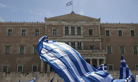 Госбюджет Греции за 10 месяцев исполнен с неожиданным профицитом