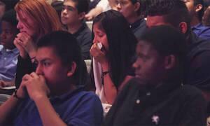 Δείτε τι ήταν αυτό που έκανε όλους τους μαθητές του γυμνασίου να κλαίνε (vid)