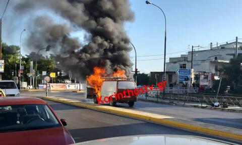 Τρόμος στην παλαιά Εθνική οδό : Φορτηγό πήρε φωτιά εν κινήσει