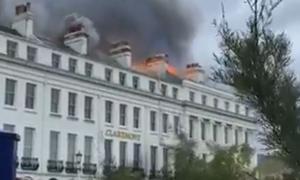 ΤΩΡΑ: Μεγάλη φωτιά σε ξενοδοχείο στην Αγγλία