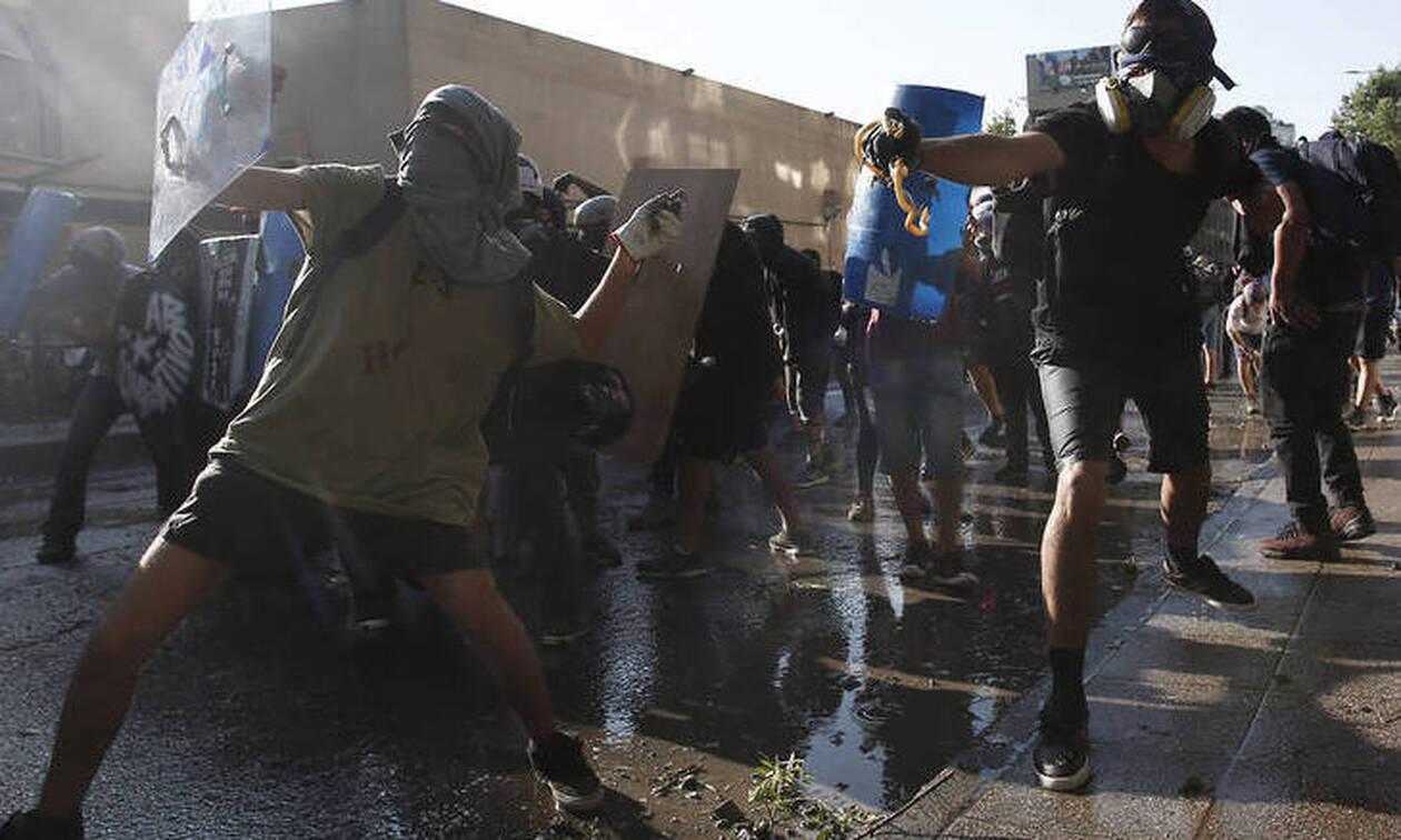 «Καζάνι που βράζει» η Χιλή: Η κυβέρνηση καλεί σε τερματισμό της βίας (pics)