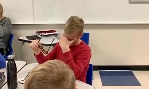 12χρονος βλέπει για πρώτη φορά χρώματα - Θα δακρύσετε από την αντίδρασή του (vid)