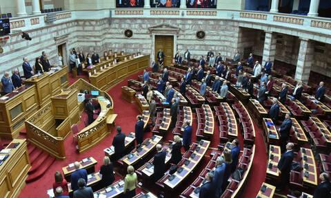 Αναθεώρηση Συντάγματος: Πού συμφωνούν και πού διαφωνούν τα κόμματα – Αύριο η κρίσιμη ψηφοφορία