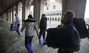 Ιταλία: «Βούλιαξε» και πάλι η Βενετία - Συνεχίζονται οι σφοδρές βροχοπτώσεις