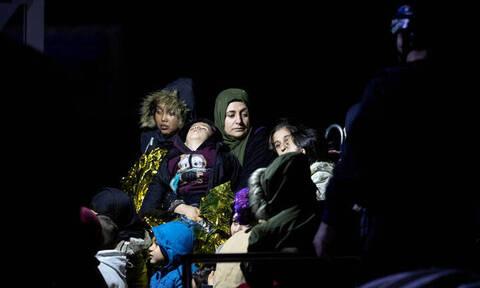 «Κανένα παιδί μόνο»: Tο κυβερνητικό σχέδιο για τα 4.000 ασυνόδευτα προσφυγόπουλα