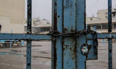 Κακοκαιρία Γηρυόνης: Πιο αργά θα ανοίξουν τη Δευτέρα (25/11) τα σχολεία σε περιοχές της Αττικής