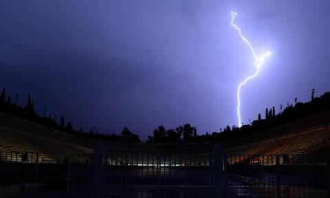 Καιρός: Σαρώνει τη χώρα ο «Γηρυόνης» - Σοβαρά προβλήματα σε αρκετές περιοχές