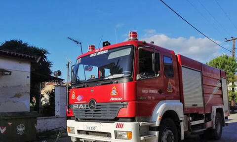 Αργολίδα: Πυρκαγιά κατέστρεψε σπίτι στη Νέα Κίο - Τραυματίας ένας ηλικιωμένος
