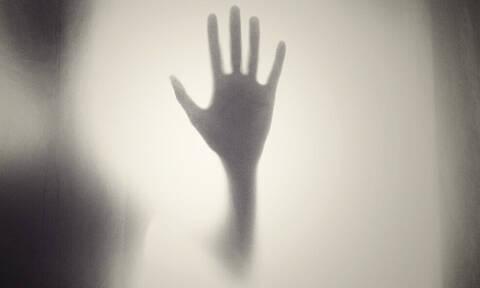 Μήπως έχεις το σύνδρομο του «εξωγήινου χεριού» και δεν το ξέρεις;