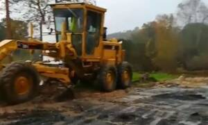 Kακοκαιρία «Γηρυόνης» - Χαλκιδική: Κατεστραμμένος ο δρόμος πριν το Γομάτι