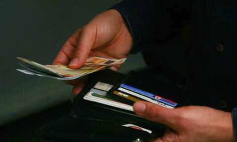 Έρευνα: Πού «καταλήγει» το εισόδημα των ελληνικών νοικοκυριών;