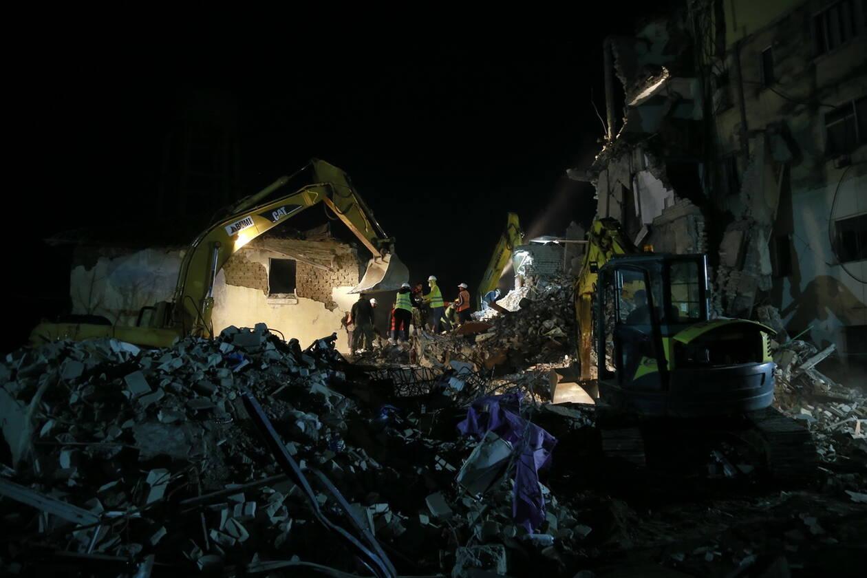 Εθνικό πένθος στην Αλβανία - Μεγαλώνει η λίστα των νεκρών του καταστροφικού σεισμού AP 19330689226040