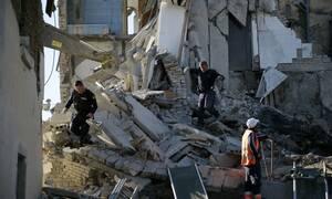 Σεισμός Αλβανία: Θρήνος στα συντρίμμια - Αγωνία για τους εγκλωβισμένους (pics&vids)