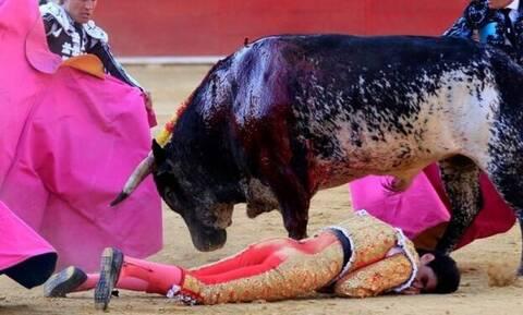 Βίντεο: Η σοκαριστική στιγμή που ο ταύρος σκοτώνει τον ταυρομάχο