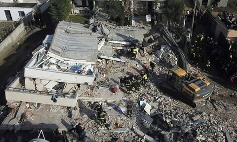 Σεισμός Αλβανία: Μάχη με το χρόνο για τους επιζώντες - Αυξάνεται ο αριθμός των νεκρών (pics&vids)